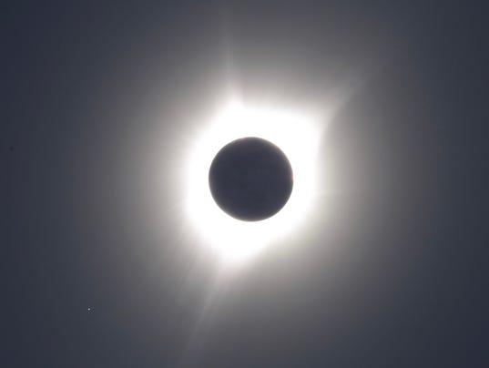 636392704625867119-Eclipse2017DanielPerry.jpg