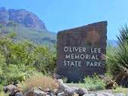 oliver-lee-park-sign