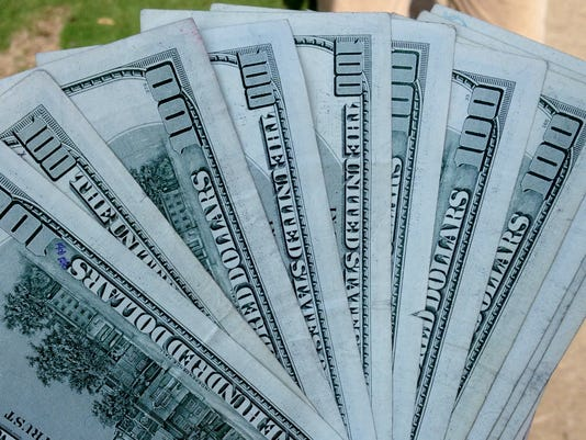 635518146241812703-cash