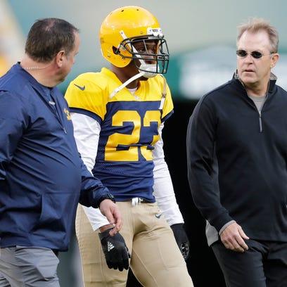 Green Bay Packers cornerback Damarious Randall leaves