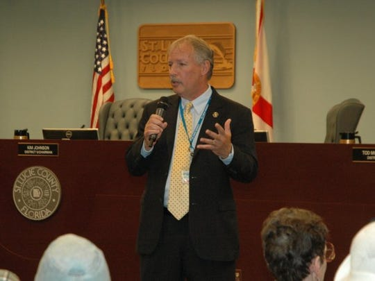 St. Lucie County Administrator Howard Tipton expresses his gratitude to a group of volunteers at the Board of County Commissioners Volunteer Appreciation event.