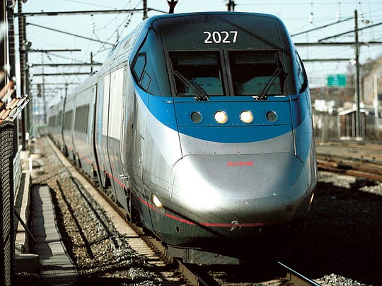 Although Amtrak was spared deep cuts in its budget plan,the House and Senate bills differed on Gateway, a $29 billion project that includes a new tunnel under the Hudson River.