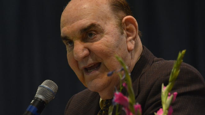 ANI LC banquet Skip Bertman was the guest speaker at the Louisiana College baseball banquet held Monday, Jan. 19, 2015 at Alexandria Convention Hall in downtown Alexandria.-Melinda Martinez/mmartinez@thetowntalk.com The Town Talk Gannett