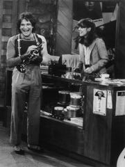 """Robin Williams and Pam Dawber in """"Mork & Mindy."""""""
