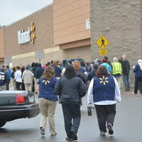 Updated Pineville Wal Mart Reopens After Bomb Threat