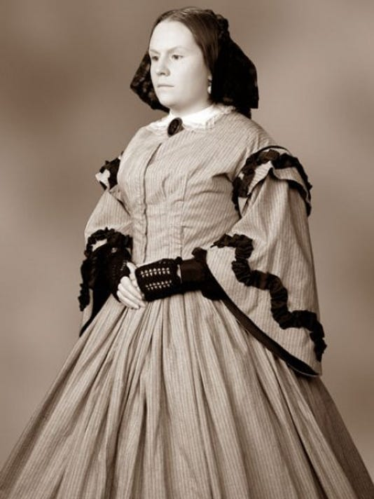 Keyes as Mrs. Lincoln