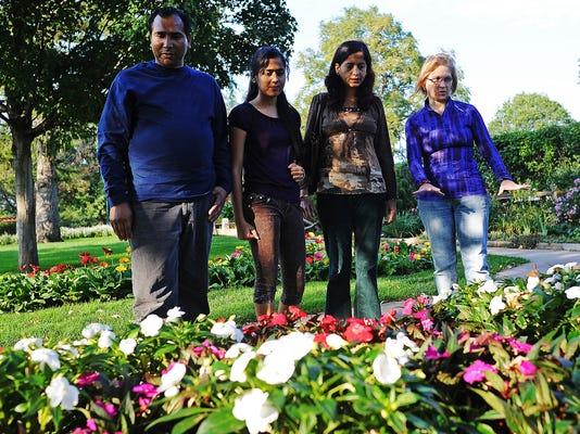 0929 Mentoring Refugee Families 3809.jpg