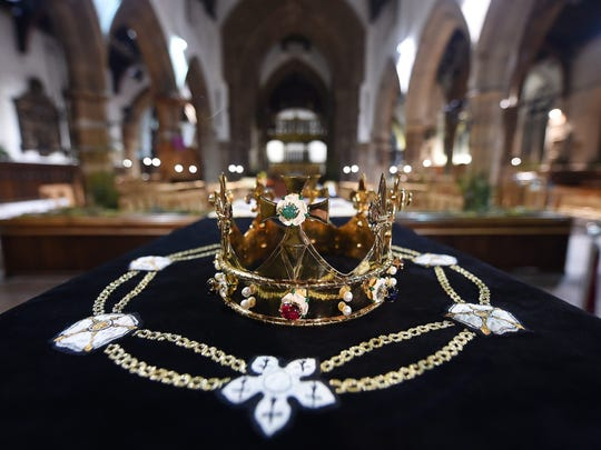 A crown sits atop King Richard III's coffin in Leicester Cathedral, in Leicester, England, on March 22, 2015.