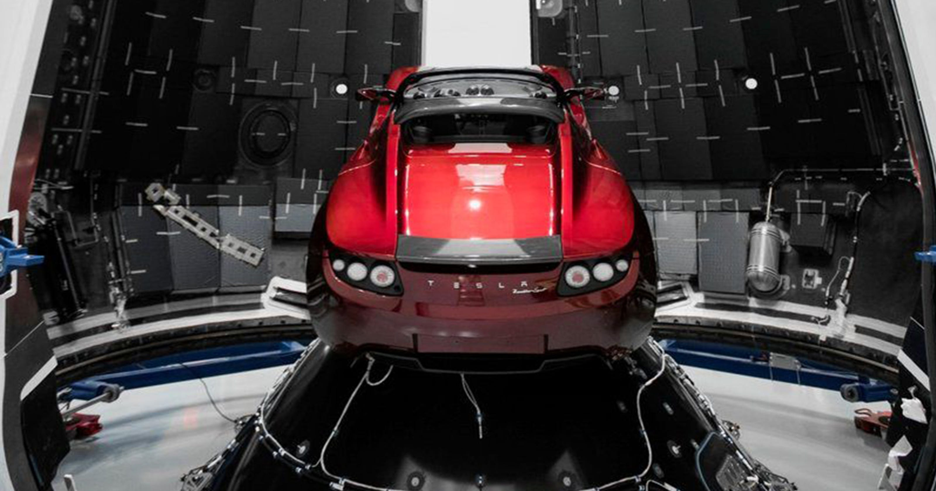 spacex launch elon musk reveals red tesla roadster bound for mars. Black Bedroom Furniture Sets. Home Design Ideas