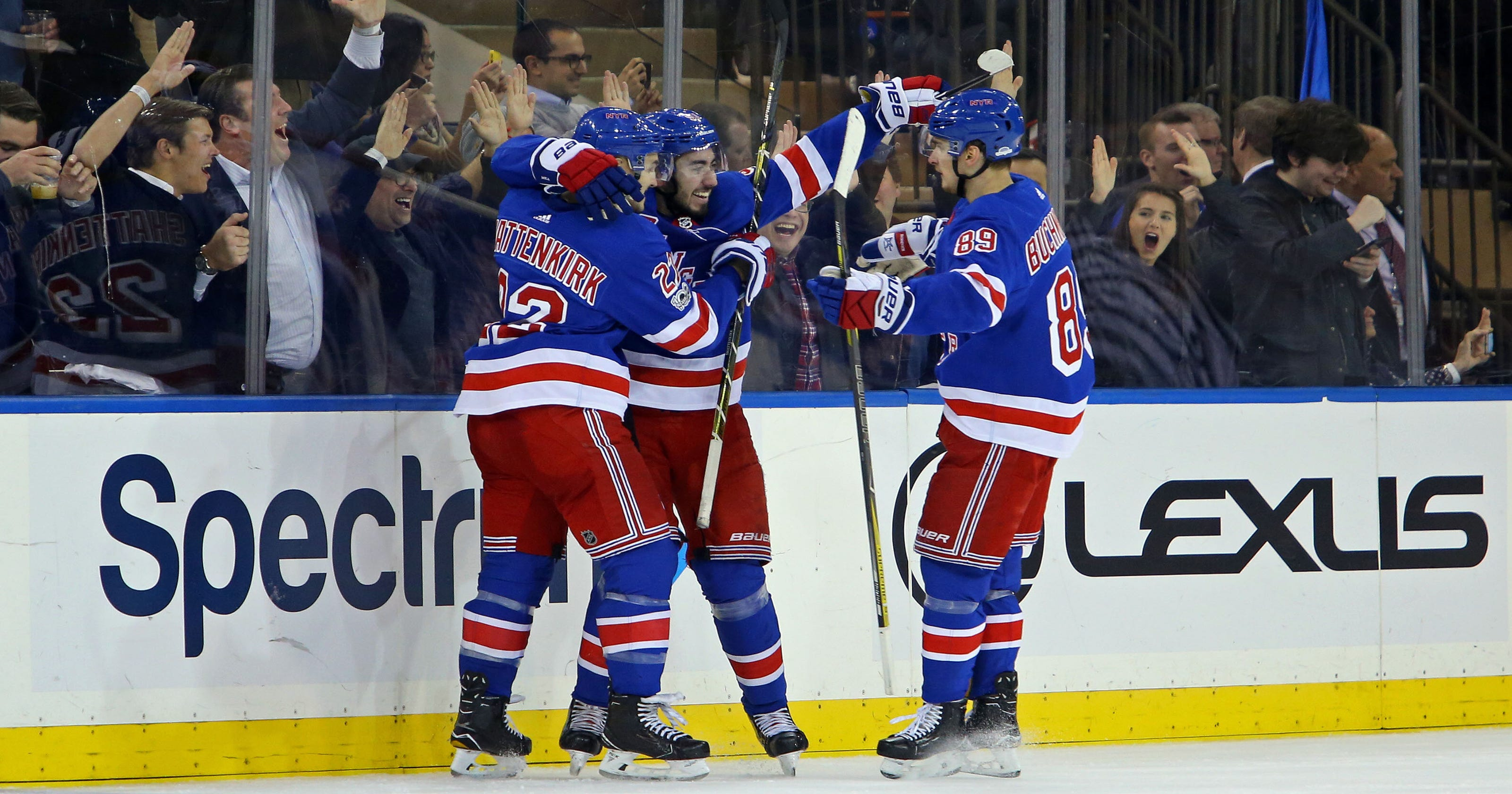Rangers score 4 in third period to rally past Golden Knights 4076fa22e