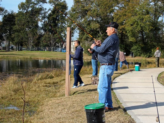 Tpwd stocks thousands of fish in local lakes for Tpwd fishing license