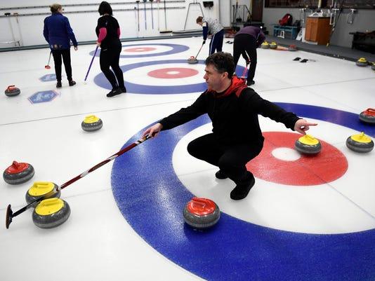 636528334152695847-011618-curling-04.JPG