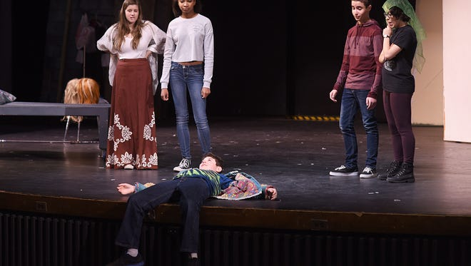 Megan Kipper (from left), Lauren Crook, Noah Francis, Blake Velick and Raquel Mueller in a dress rehearsal at North Farmington High School.