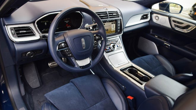 Outstanding comfort, infotainment distinguish Lincoln Continental's user experience.