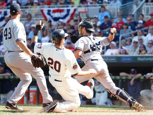 2Yankees Twins Baseball