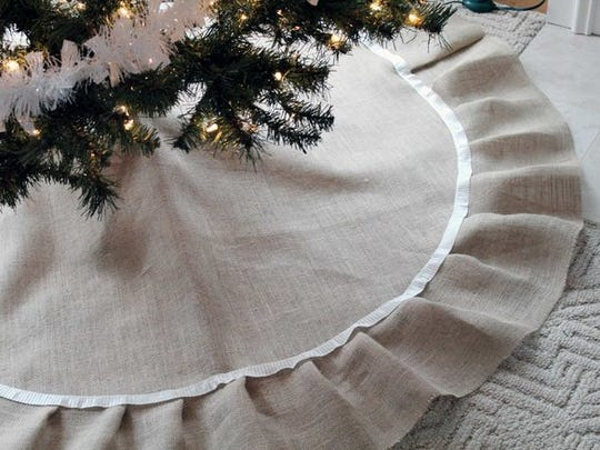 No sewing required to make this burlap tree skirt.