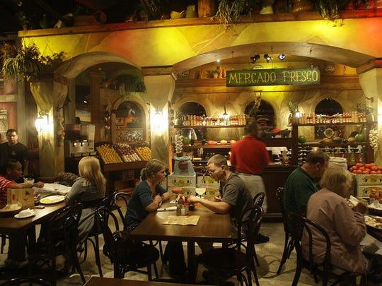 Diners at El Fuego in 2009.