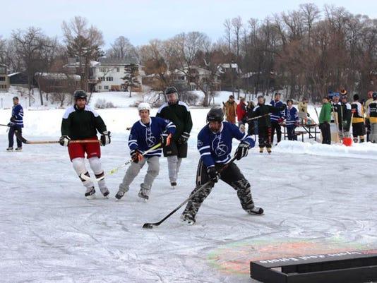 636480014165135014-Waupaca-Pond-Hockey-3-Courtesy-of-Waupaca-CVB-copy-2.jpg