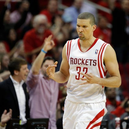 The Houston Rockets announced on Friday that they have re-signed forward Francisco Garcia.