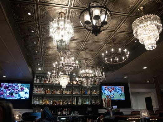 Gary Brackett S Restaurant Defines Supper Club Dining