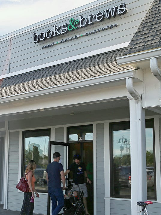 636028991585300087-Books-and-Brews-Zionsville-jrw20.JPG