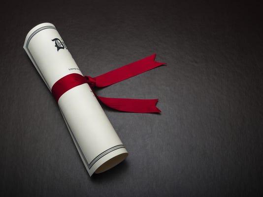 636312292509459988-diploma.jpg