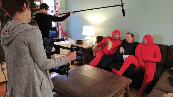 "Gene Okun films a ""Big Dumb Kidneys"" video to help find a donor."