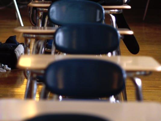 635654972901555410-ROCBrd-08-06-2014-DandC-1-A009--2014-08-05-IMG-classroom-desks.jpg-1-1-CG84FVSK-L460785174-IMG-classroom-desks.jpg-1-1-CG84FVSK