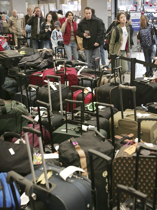 Delays Hamper Busiest Holiday Travel Day At O'Hare