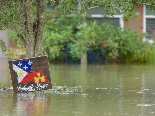 636068731176018256-tda.flooding.vermillion.08.15-1672.jpg