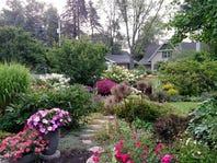 Strolls of wonder: Garden tours put natural beauty, human ingenuity on display