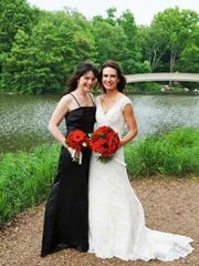 Rhea Hayden and her sister, Kara Fisher, on Rhea's wedding day in New York City in 2014.