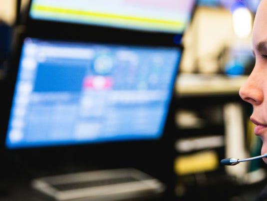 636294025191836559-911-dispatcher.jpg