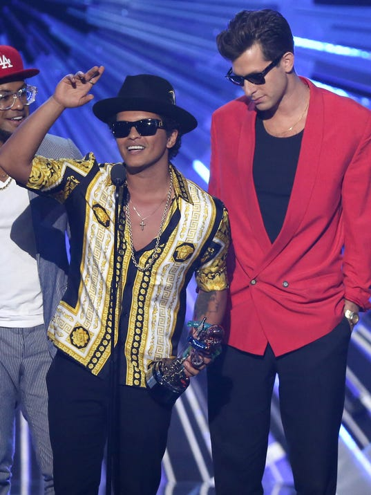 Bruno Mars, Mark Ronson