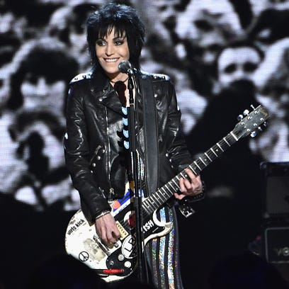 PHOTOS | 2015 Rock Hall inductee signatures immortalized