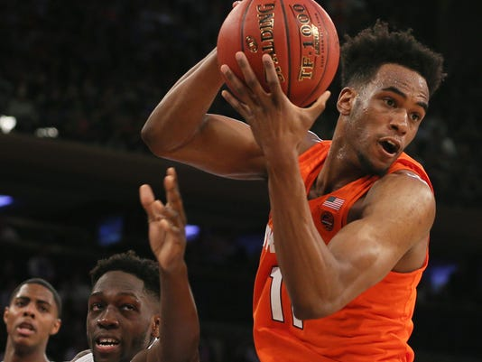 NCAA Basketball: Connecticut at Syracuse