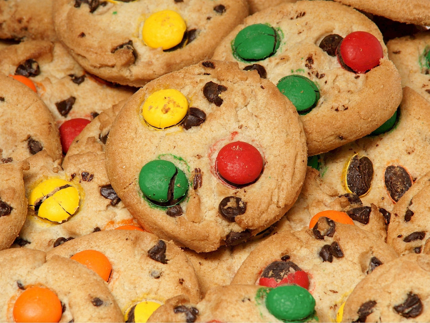 Enjoy Six Gourmet Cookies FREE with the purchase of Six Gourmet Cookies at the regular price.