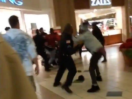 -greece-mall-fight1.jpg