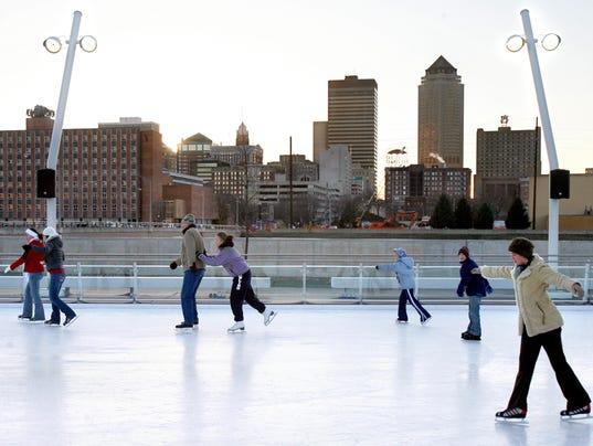 635830234327618149-brenton-skating