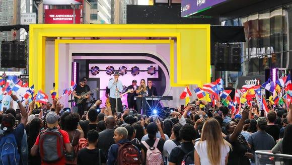 Romeo Santos performs on the premiere week of 'TRL.'
