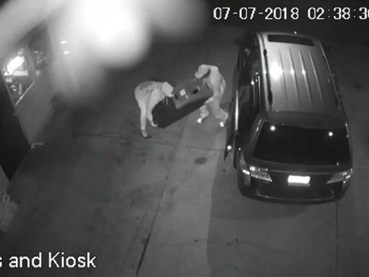 636669089421257213-South-Brunswick-ATM-thieves.jpg