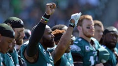 Philadelphia Eagles strong safety Malcolm Jenkins (middle