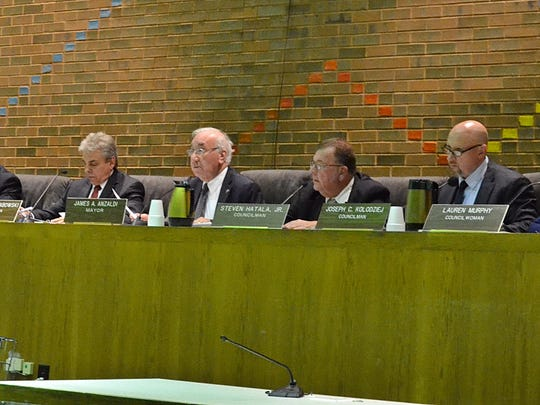 The Clifton City Council voted 6-0 Tuesday night to rescind a planned ordinance to rename a stretch of Ellsworth Street.