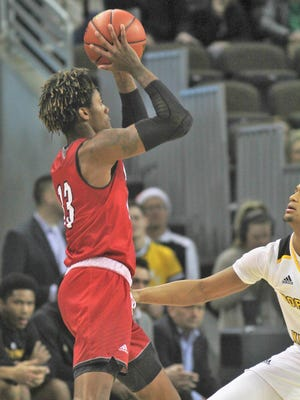 Dalonte Brown combined with Mekhi Lairy to score 30 points in Miami University's 70-67 win over Evansville on Sunday.