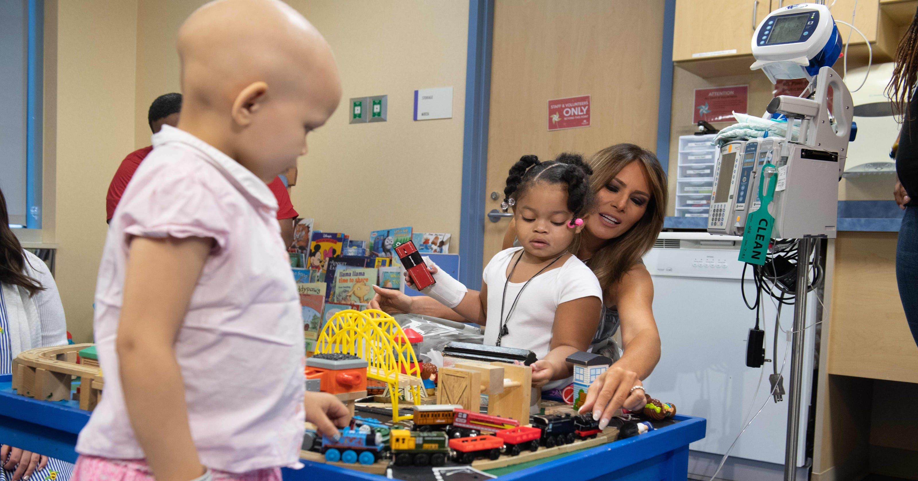 Melania Trump visits Nashville hospital for babies born to opioid-addicted  moms 23839a62ad39