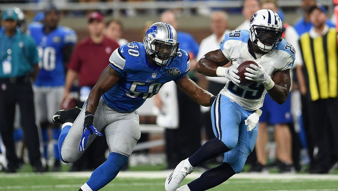 DeMarco Murray catches a pass against the Lions' Thurston Armbrister in 2016.