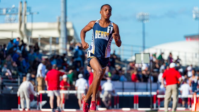 Key Alfred runs the 1600 meter run at the Beaver Club Relays. Friday, March 23, 2018.