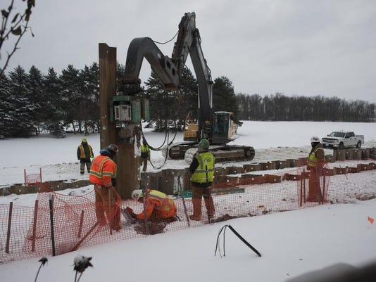 BCEBrd_01-11-2014_BCE_1_A001~~2014~01~10~IMG_1-enbridge_pipeline__1_1_7H62OJ.jpg