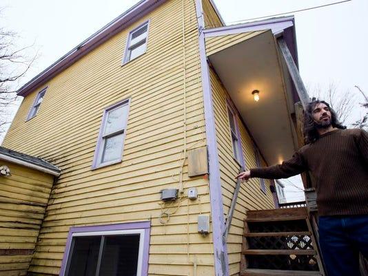 -BUR 1205 house C2.jpg_20131206.jpg