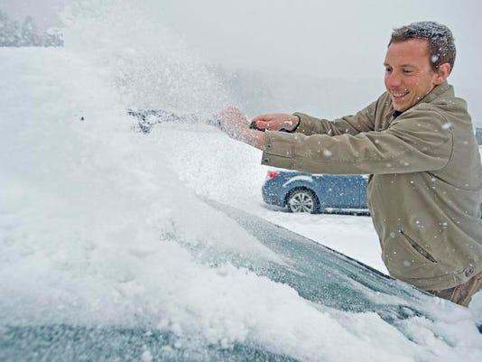 -BUR 0312 snow storm rm C7.jpg_20140312.jpg